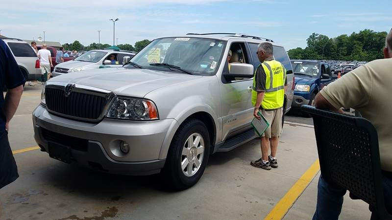 2003 Lincoln Navigator Luxury 4WD 4dr SUV - New London CT