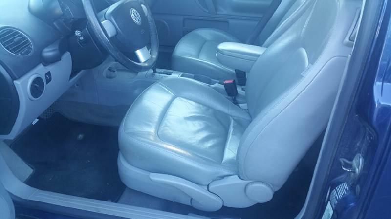 2006 Volkswagen New Beetle 2.5 PZEV 2dr Hatchback (2.5L I5 6A) - New London CT