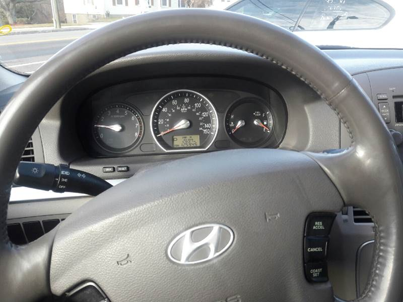 2006 Hyundai Sonata GL 4dr Sedan - New London CT