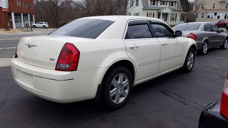 2006 Chrysler 300 AWD Touring 4dr Sedan - New London CT