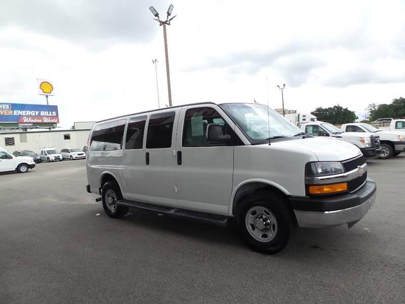 4c52a8961a5fdd 2015 Chevrolet Express Passenger LT 2500 3dr Passenger Van In ...