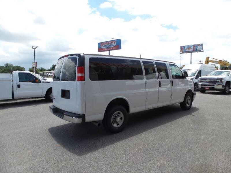 2018 Chevrolet Express Passenger LT 3500 3dr Extended Passenger Van - Houston TX