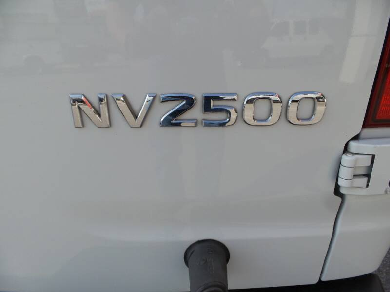 2018 Nissan NV Cargo 2500 HD SV 3dr Cargo Van w/High Roof (V8) - Houston TX