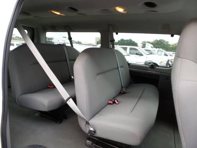 2009 Ford E-Series Wagon E-150 XL 3dr Passenger Van - Houston TX