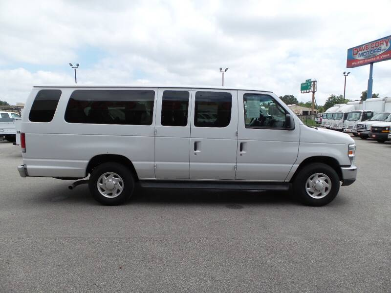 2013 Ford E-Series Wagon E-350 SD 3dr Extended Length Passenger 138 in. WB - Houston TX