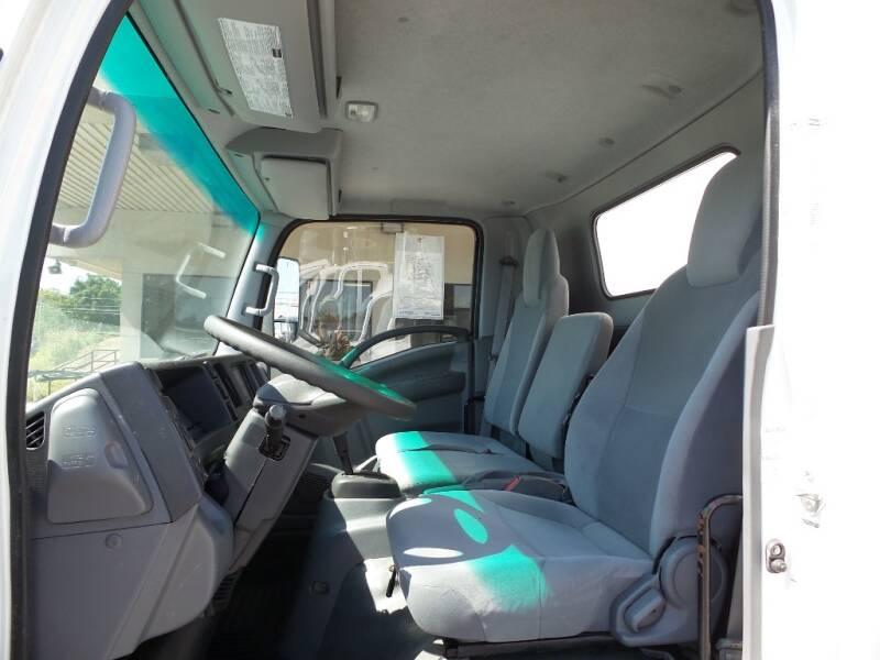2016 Isuzu NPR 4X2 2dr 71.0 in. BBC Tilt Cab - Houston TX