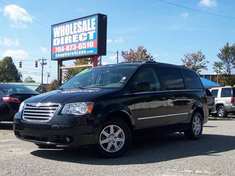 2010 Chrysler Town and Country for sale in Statesville, NC