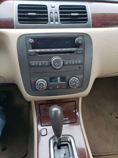 2008 Buick Lucerne CXL (image 8)