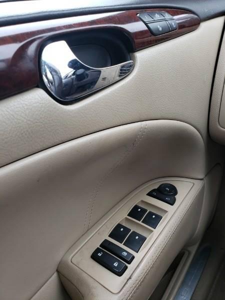 2008 Buick Lucerne CXL (image 10)