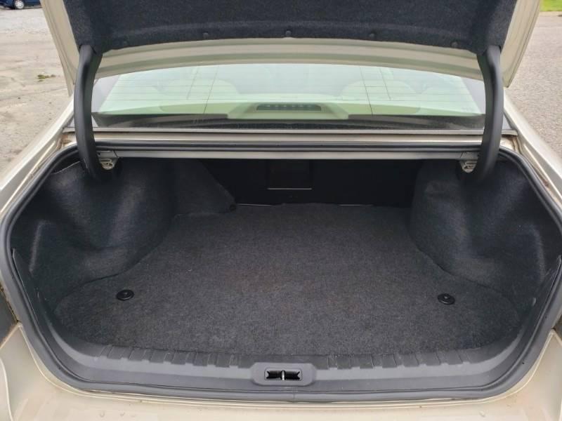 2008 Buick Lucerne CXL (image 14)