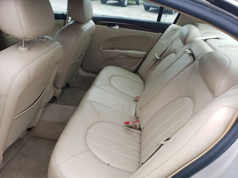 2008 Buick Lucerne CXL (image 15)