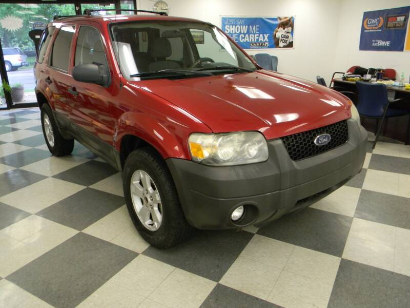 2007 Ford Escape for sale at Lindenwood Auto Center in St. Louis MO
