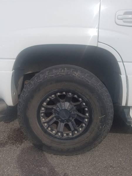 2005 GMC Yukon AWD Denali 4dr SUV - Houston TX