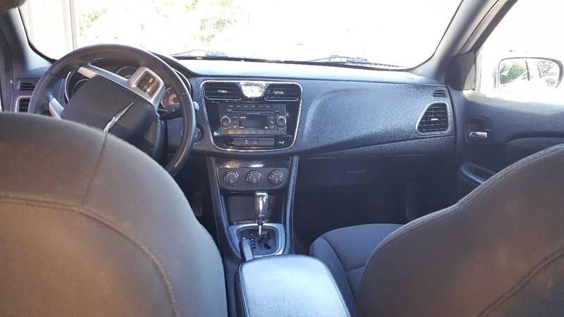 2014 Chrysler 200 Touring 4dr Sedan - Modesto CA