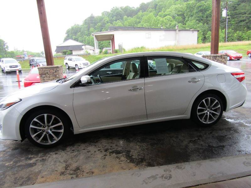 2014 Toyota Avalon for sale at Specialty Car Company in North Wilkesboro NC