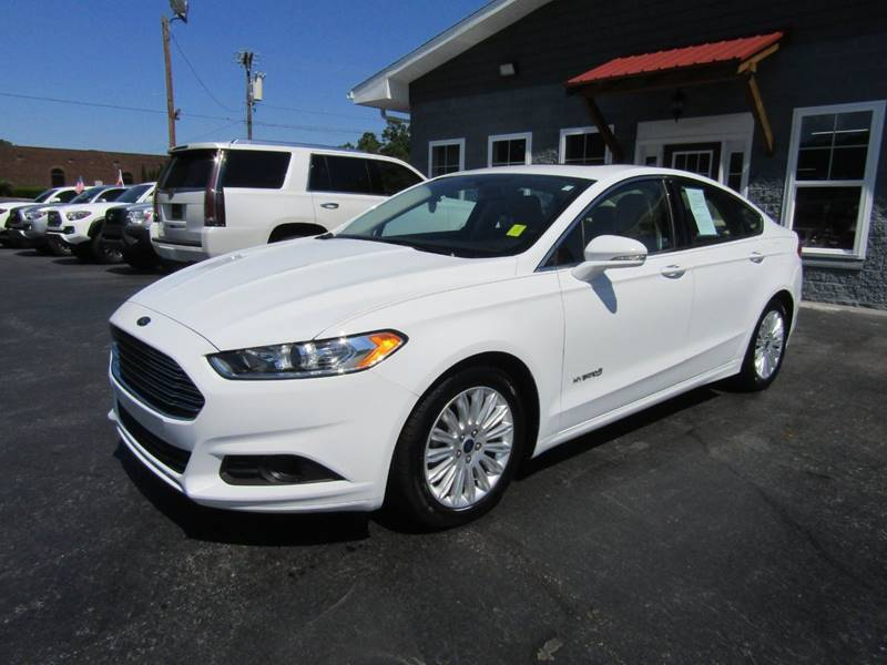 2016 Ford Fusion Hybrid for sale at Specialty Car Company in North Wilkesboro NC