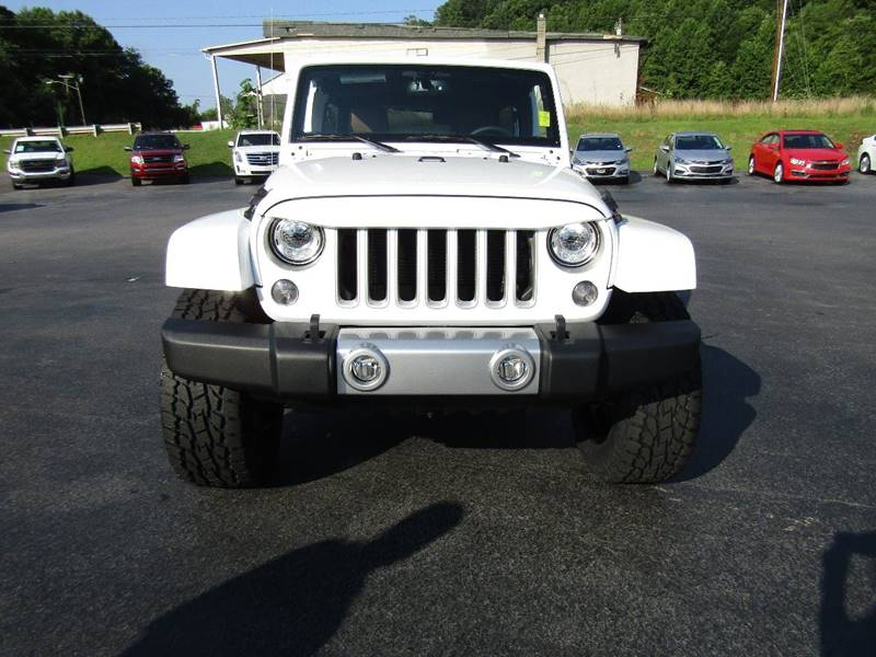2017 Jeep Wrangler Unlimited for sale at Specialty Car Company in North Wilkesboro NC