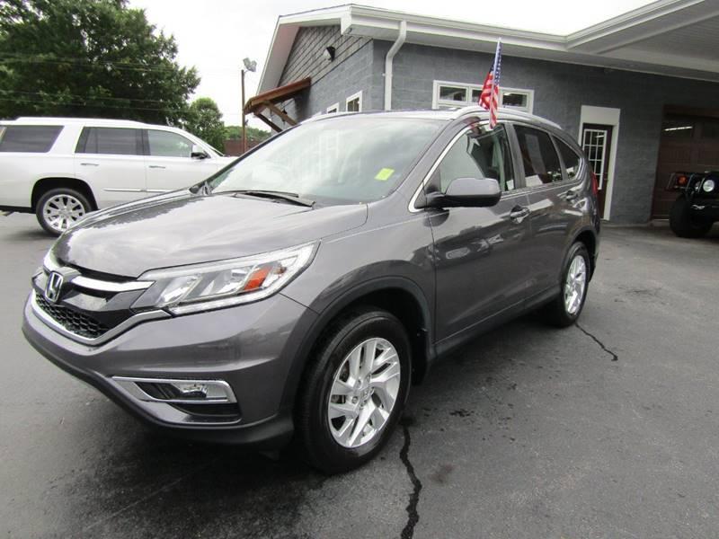 2015 Honda CR-V for sale at Specialty Car Company in North Wilkesboro NC
