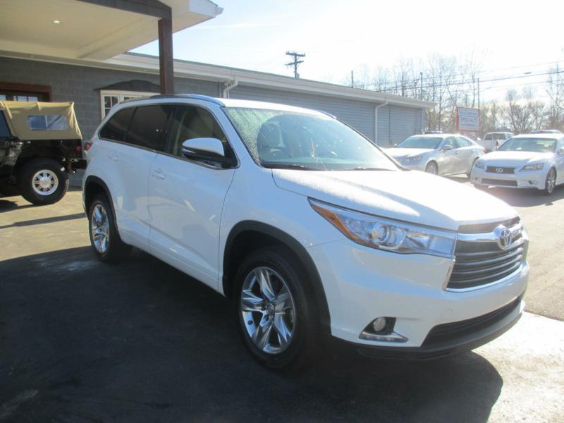 2015 Toyota Highlander for sale at Specialty Car Company in North Wilkesboro NC