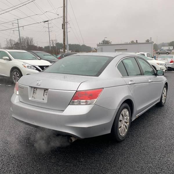 2010 Honda Accord LX (image 3)