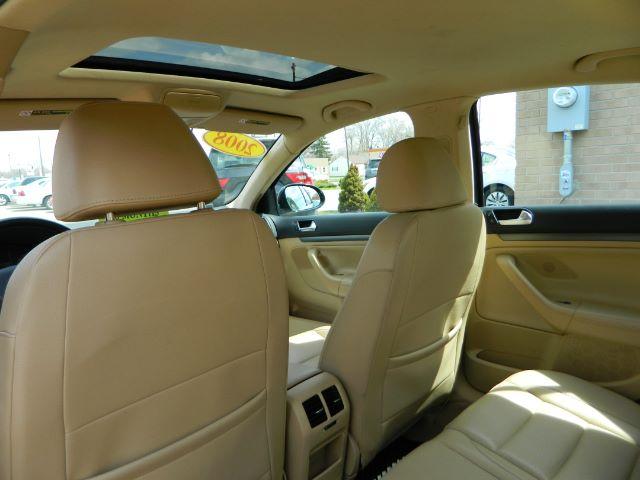 2008 Volkswagen Jetta SE 4dr Sedan 6A - Lincoln Park MI