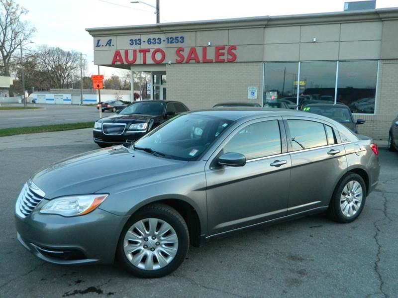 2012 Chrysler 200 Tire Size >> 2012 Chrysler 200 In Woodhaven Mi L A Trading Co