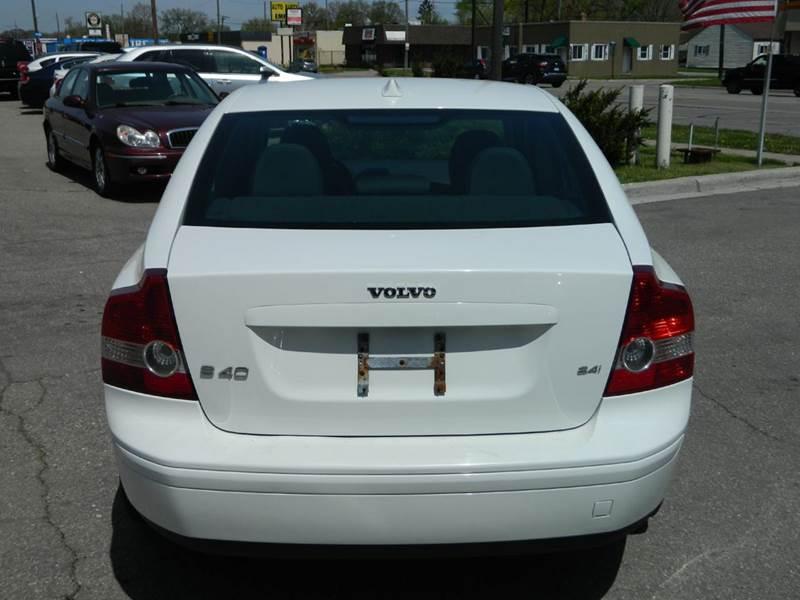 2007 Volvo S40 2.4i 4dr Sedan - Lincoln Park MI