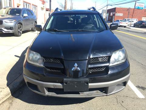 2003 Mitsubishi Outlander for sale in Elmont, NY