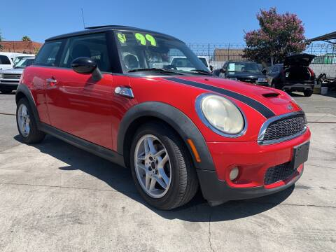2008 MINI Cooper for sale at Best Buy Quality Cars in Bellflower CA