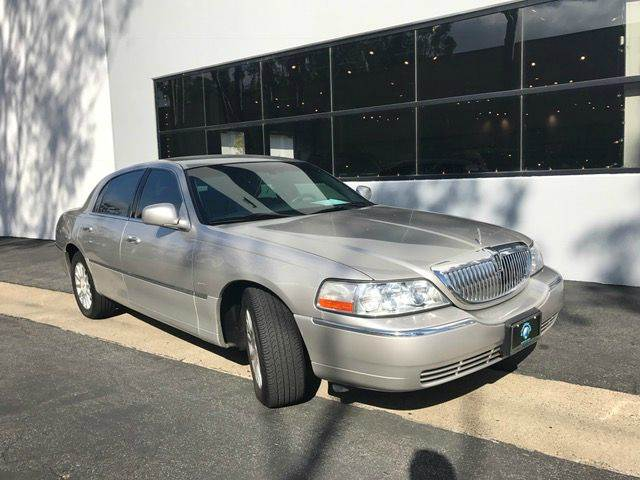 2006 Lincoln Town Car for sale at PRIUS PLANET in Laguna Hills CA