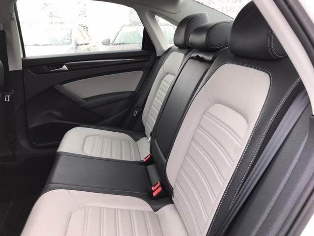 2015 Volkswagen Passat SE PZEV 4dr Sedan 6A - Lakewood WA