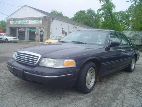 1999 Ford Crown Victoria for sale at Nile Auto in Columbus OH