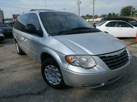 2006 Chrysler Town and Country for sale at Nile Auto in Columbus OH