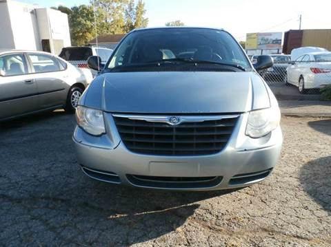 2005 Chrysler Town and Country for sale at Nile Auto in Columbus OH