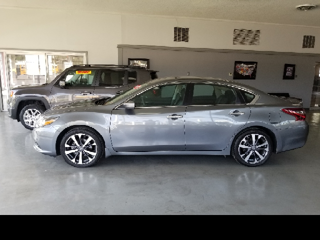 2017 Nissan Altima for sale at Computerized Auto Search in Kansas City MO