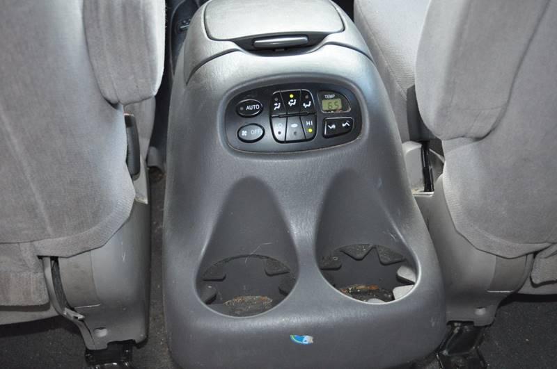 2004 Toyota Sequoia SR5 4WD 4dr SUV - Billerica MA
