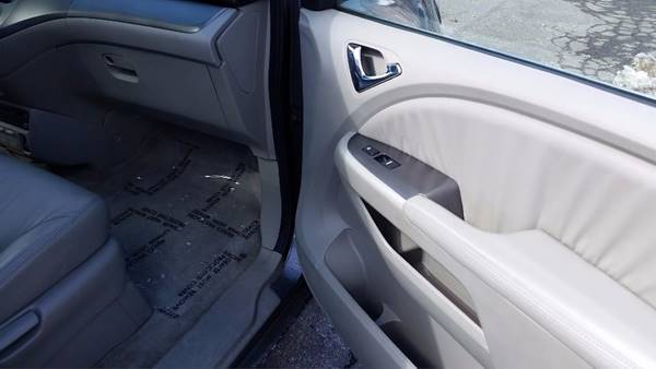 2007 Honda Odyssey Touring 4dr Mini-Van w/Navi and DVD - Billerica MA
