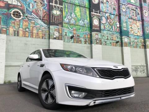 2013 Kia Optima Hybrid for sale at R/T AUTO CENTER LLC in Newark NJ