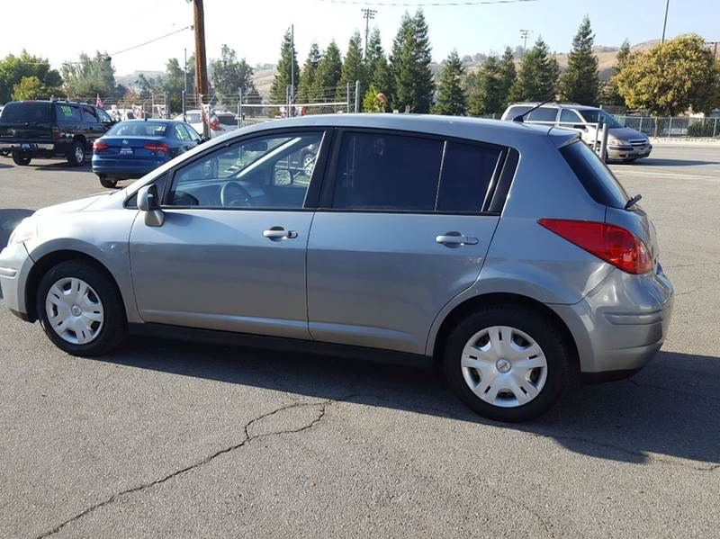 2010 Nissan Versa for sale at Exclusive Car & Truck in Yucaipa CA