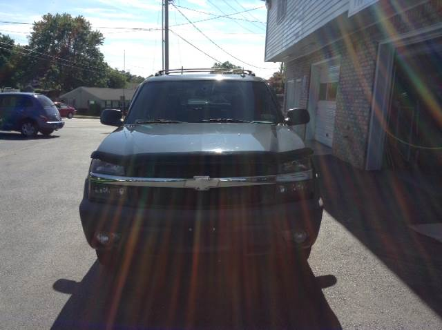 2004 Chevrolet Avalanche 4dr 1500 4WD Crew Cab SB - Hanover PA