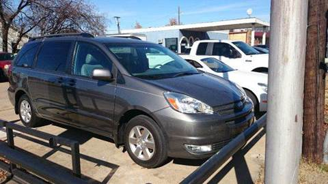 2004 Toyota Sienna for sale at Bad Credit Call Fadi in Dallas TX