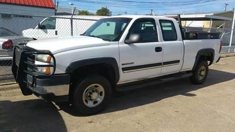 2006 Chevrolet Silverado 2500HD for sale at Bad Credit Call Fadi in Dallas TX