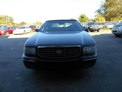 1997 Cadillac DeVille for sale in Warren, MI