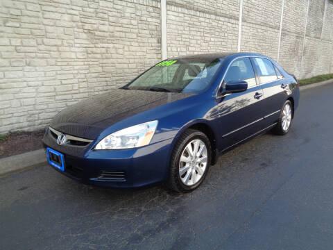 2007 Honda Accord for sale at Matthews Motors LLC in Algona WA