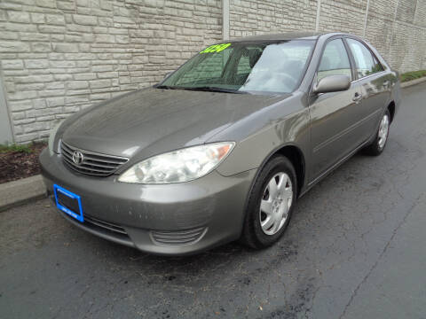 2005 Toyota Camry for sale at Matthews Motors LLC in Algona WA