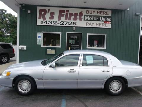 2002 Lincoln Town Car for sale in Cambridge, OH