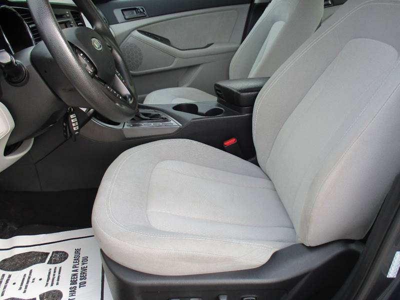 2011 Kia Optima LX 4dr Sedan 6A - Fargo ND