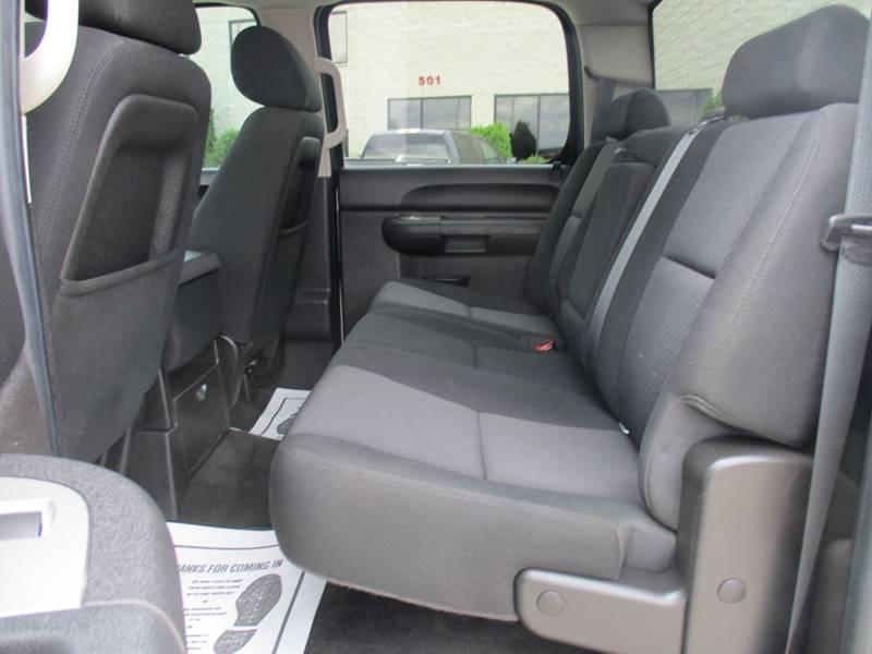 2010 Chevrolet Silverado 1500 4x4 LT 4dr Crew Cab 5.8 ft. SB - Fargo ND