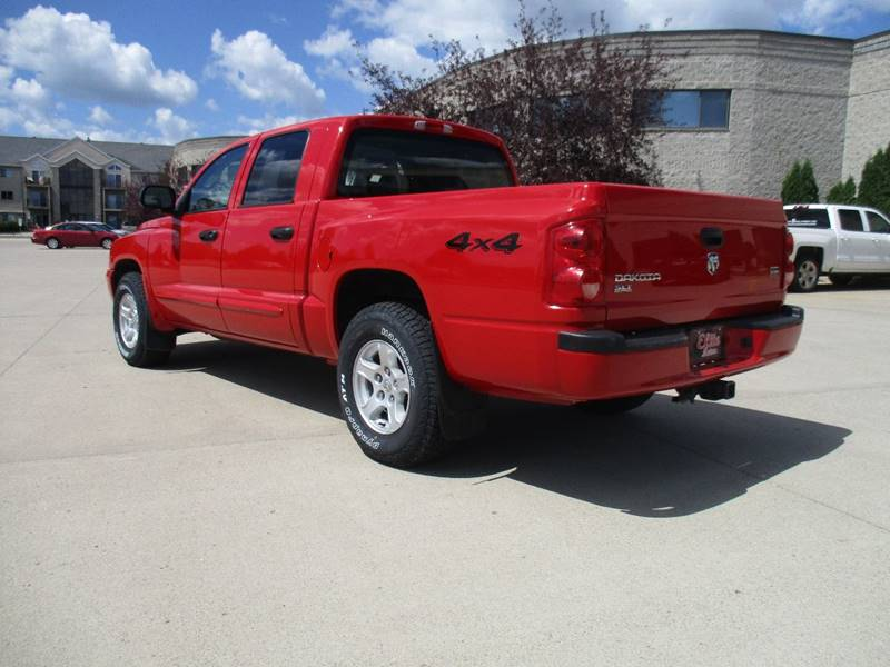 2005 Dodge Dakota 4dr Quad Cab SLT 4WD SB - Fargo ND