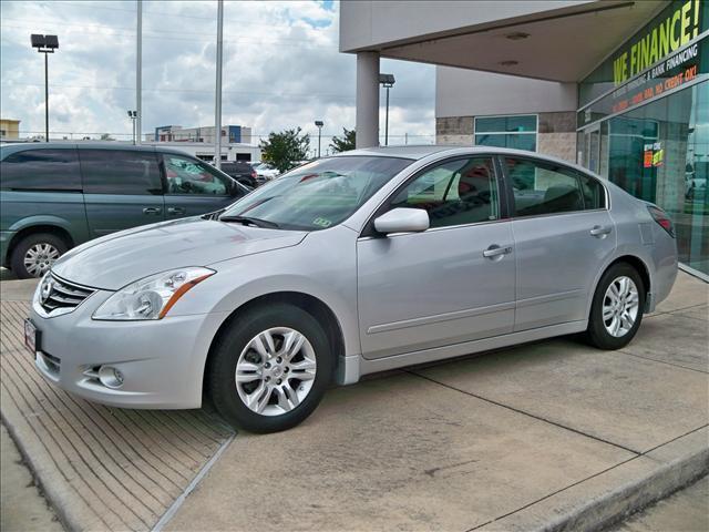 2010 Nissan Altima  - Houston TX
